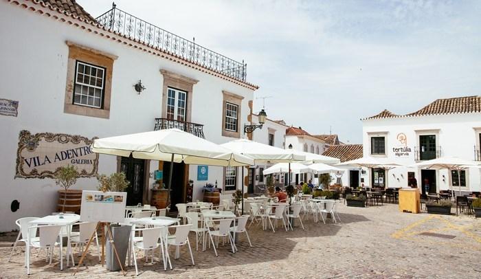 Jantar no centro histórico de Faro é como ficar emcasa